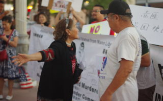 洛杉磯華人抗議紅歌會 斥「宣傳謊言」