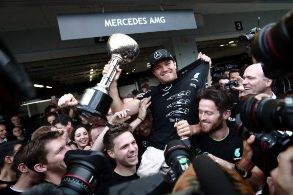 F1日本站 梅賽德斯提前奪年度車隊總冠軍