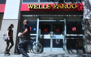 西雅图削减与富国银行的商业交易