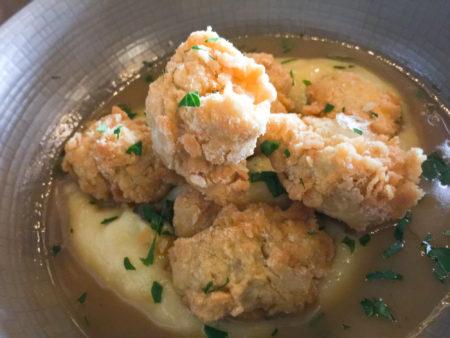 法式炸魚(Veal Sweetbreads a La Meunière)。(百合攝)