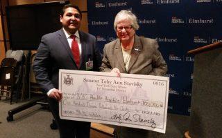 史塔文斯基向艾姆赫斯特醫院撥10萬元