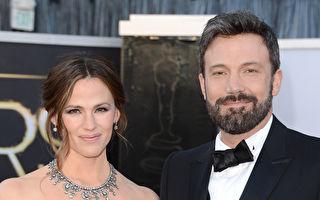 2013年2月24日,本•阿弗萊克夫婦出席奧斯卡頒獎禮。(Jason Merritt/Getty Images)