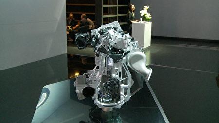 可變壓縮比發動機VC-Turbo。(楊陽/大紀元)