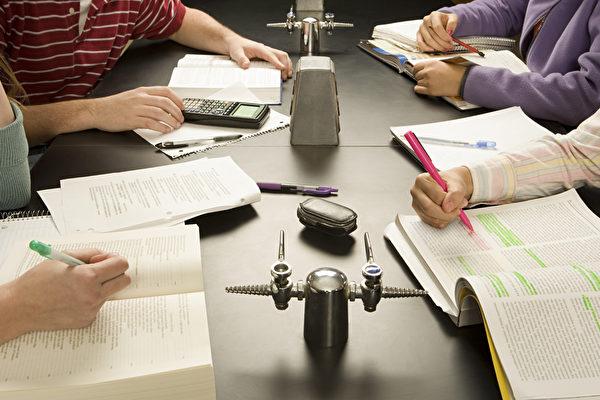 澳洲學生成績國際排名下滑 引專家憂慮