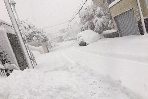 札幌11月大雪交通受阻 積雪創21年紀錄