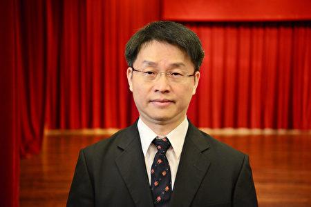 台中市中医师公会理事长吕世明表示,亚太音乐会的演出可以启迪小朋友的心灵,弥补孩子成长学习的过程中可能欠缺的音乐这一块。(龚安妮/大纪元)