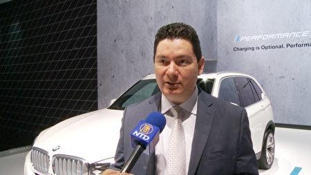 BMW產品與技術公關阿熱拉諾-貝洛克 (Hector Arellano-Belloc)。(楊陽/大紀元)