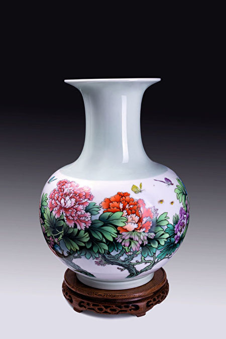 精美的景德鎮陶瓷(千年陶瓷提供)