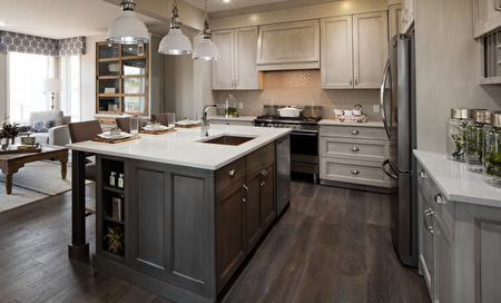 寬敞明亮的高水準配置廚房(Cardel Homes 提供)。
