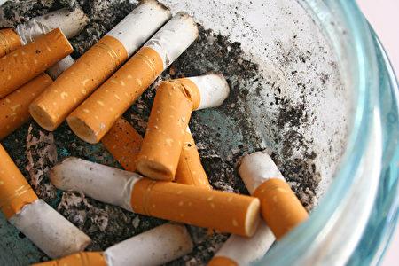 家中煙味很難去除, 就必須使用特殊的物品來幫助維持空氣清新。 (shutterstock)