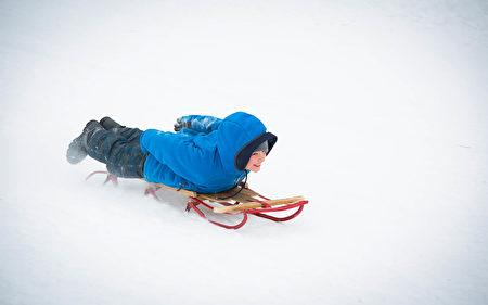雪上活動(大紀元圖片)