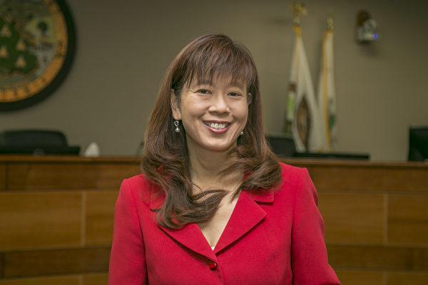 菲利蒙市多位華人角逐公職 高敘加黃潔宜獲連任