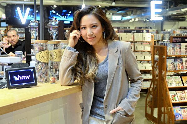 香港歌手鍾舒漫支持神韻來港「香港需要更開放」