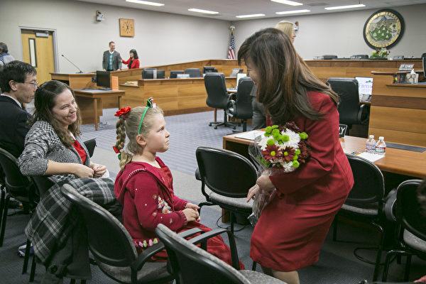 高敘加就任菲利蒙市長 社區祝賀