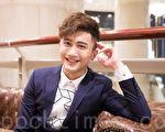 歌手杨程钧12月16日在台北发行个人专辑。(陈柏州/大纪元)