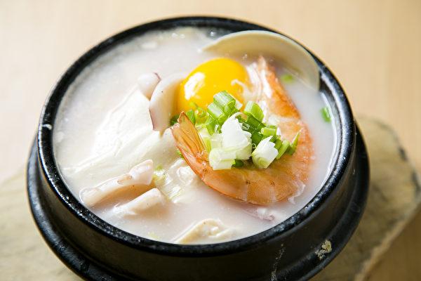 原味白豆腐煲。(Samira Bouaou/大纪元)