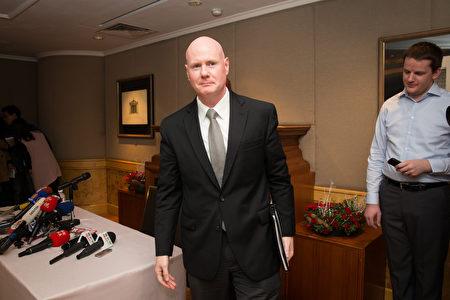 美国总统当选人川普交接团队顾问叶望辉(Stephen Yates)6日下午出席记者会与媒体交流。(陈柏州/大纪元)