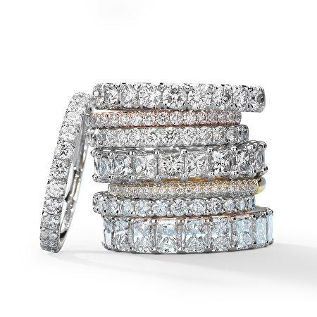 全球最大的网路珠宝商Blue Nile在贝尔维尤广场(Bellevue Square)一层开了一间体验店,12月14日正式开业。(照片由Blue Nile公司提供)