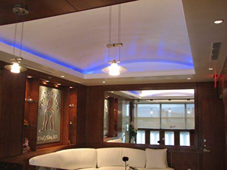 郝傳東設計的飛躍皇后8F診所室內設計,獲皇后區區商會建築獎。(郝傳東提供)