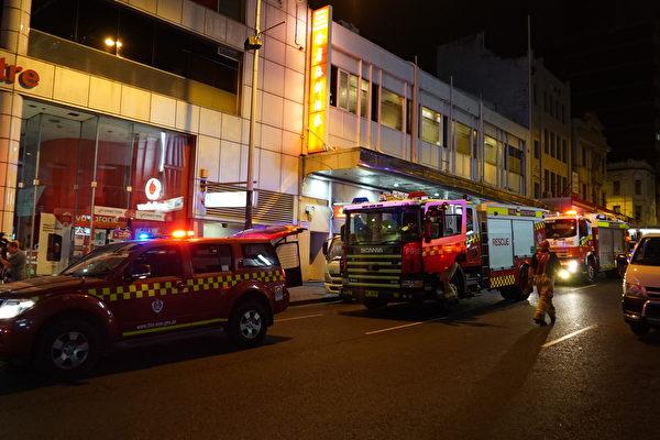 2016年11月29日,澳洲悉尼唐人街著名地標德信大廈美食街發生煤氣洩漏引發的起火爆炸,造成16人受傷。(Nina/大紀元)