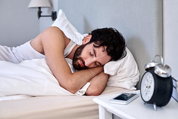 研究:早上睡醒後不整理床舖比較健康