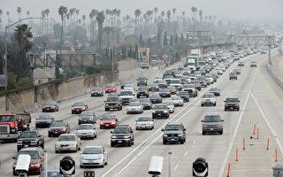 县近一年人口剧增4万多 加州增29.5万