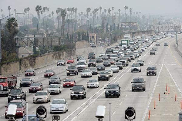 縣近一年人口劇增4萬多 加州增29.5萬