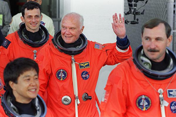 兩度締造歷史 美太空英雄約翰格倫辭世