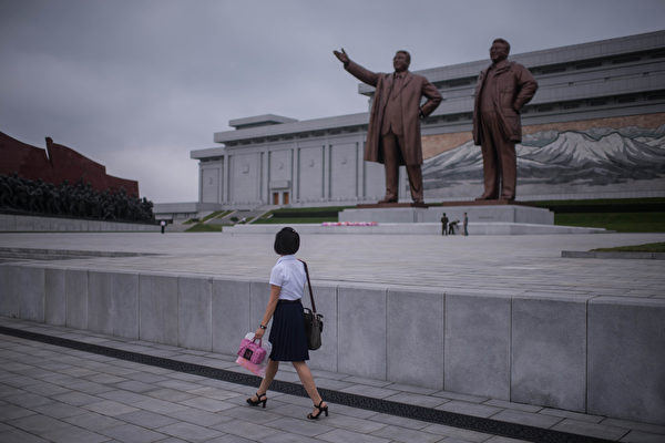 民怨高漲 脫北者無人機圖撞金氏父子銅像