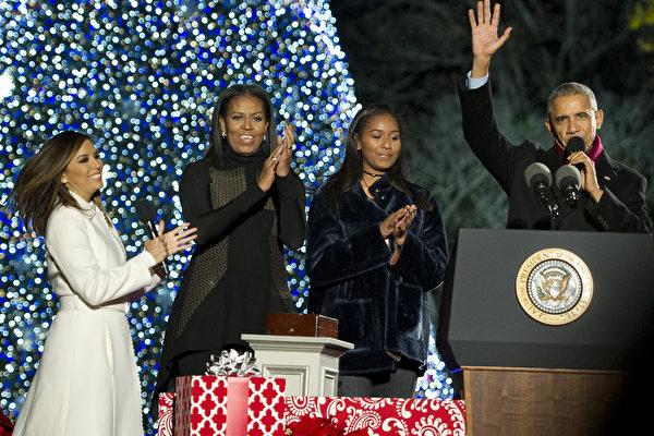 奧巴馬最後一次點亮白宮聖誕樹 再展歌喉