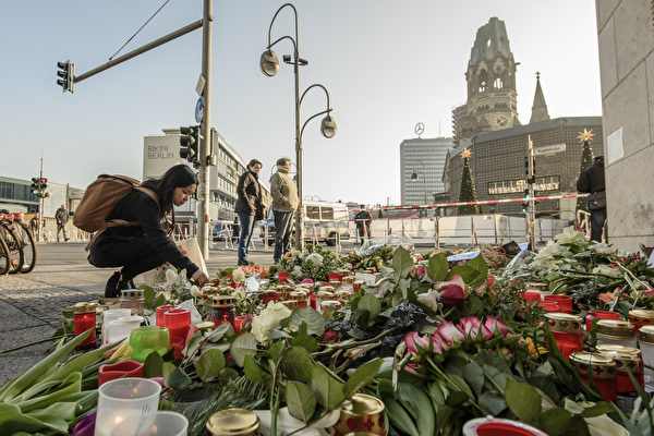 組圖:柏林聖誕市場「死亡貨車」恐襲第三天