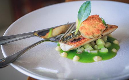 彭贊思(Penzance)的The Shore Restaurant的招牌海鮮菜。(The Shore Restaurant提供)
