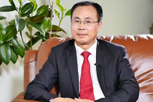 原中共中央政治局常委、中纪委书记尉健行的撰稿人王友群博士。(作者提供)