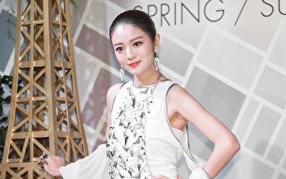 艺人安以轩1月13日在台北出席水晶饰品发表会。(陈柏州/大纪元)