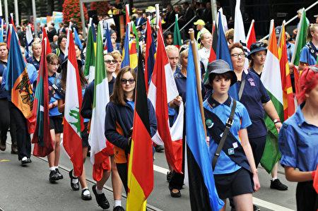 2017年1月26日,参加澳洲国庆日的游行队伍。(王宇成/大纪元)