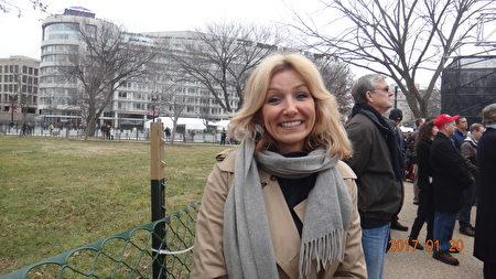 Celeste Dunn是位律師,來自密西根州底特律市。 20日,她與丈夫前來華府,見證川普宣誓就任美國總統。(梁硯/大紀元)