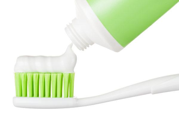 牙膏的7個妙用 你不一定知道