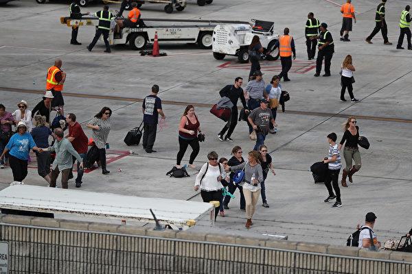 美佛州機場爆槍擊案五死八傷 槍手為退役軍人