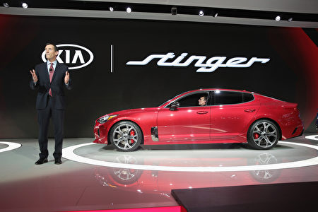 DETROIT, MI - JANUARY 09: Michael Sprague, Chief Operating Officer Kia Motors America, introduces the 2018 Stinger at the North American International Auto Show (NAIAS) on January 9, 2017 in Detroit, Michigan. The show is open to the public from January 14-22. (Photo by Scott Olson/Getty Images)
