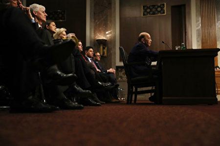 听证会现场。(Joe Raedle/Getty Images)