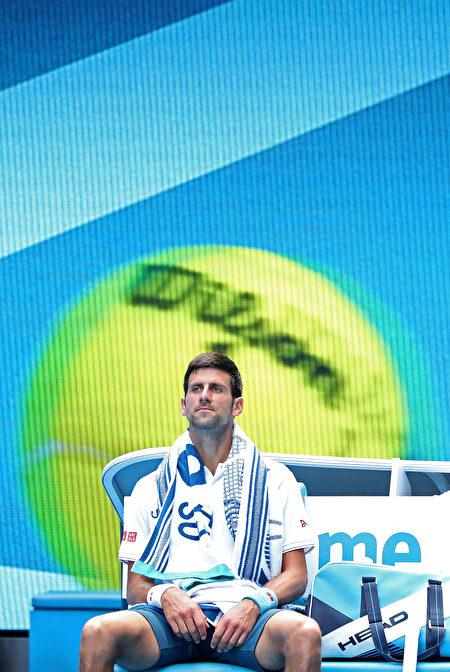 第二輪被淘汰,衛冕冠軍德約科維奇創造11年來個人在澳網的最差戰績。 (Scott Barbour/Getty Images)