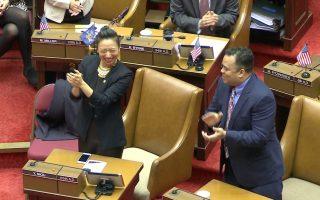 牛毓琳就职 成中国城首位华裔州众议员