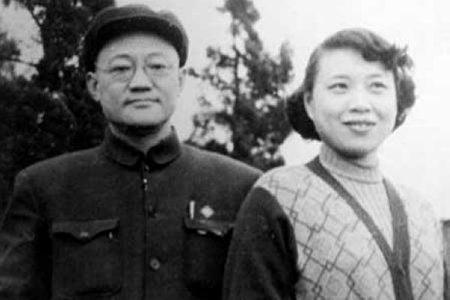 巴金與妻子蕭珊。(公有領域)