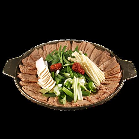 什锦水煮牛肉片。(商家提供)