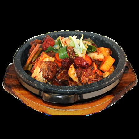 红烧牛排锅。(商家提供)