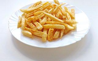 只吃薯条等垃圾食品 17岁英男孩最终失明