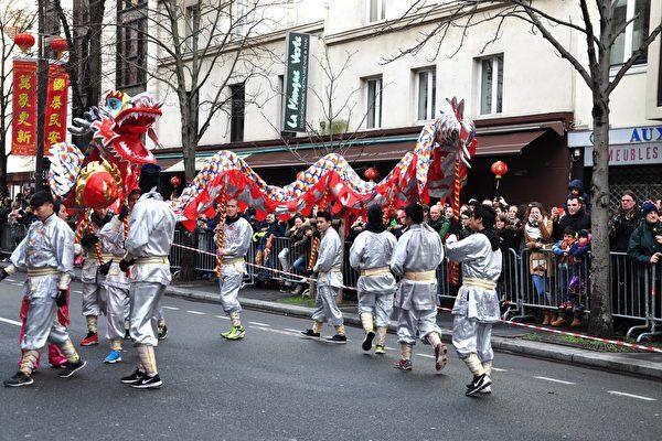組圖:法國華人雞年大遊行 年味濃濃(2)