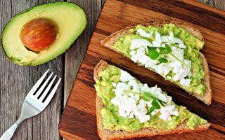 骨质疏松症骨量减少怎么办?吃对三餐就改善