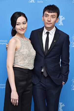 2017年2月13日,臺灣演員張震(右)與姚以緹出席第67屆柏林電影節。(Pascal Le Segretain/Getty Images)