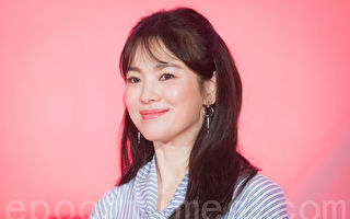 韩星宋慧乔2月23日在台北出席美妆记者会。(陈柏州/大纪元)